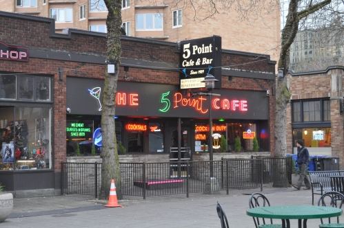 Seattle_-_Five_Point_Cafe_01