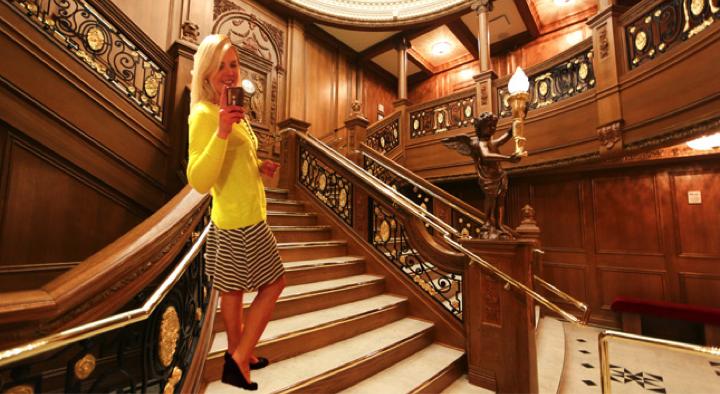 eHarmony-Frank-Titanic-stairs