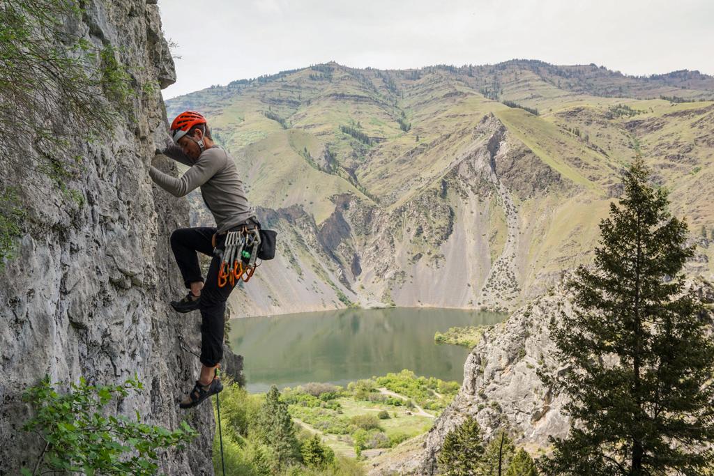 Dakota_Rock-climbing-Hells-Canyon-limestone_Oct-2018
