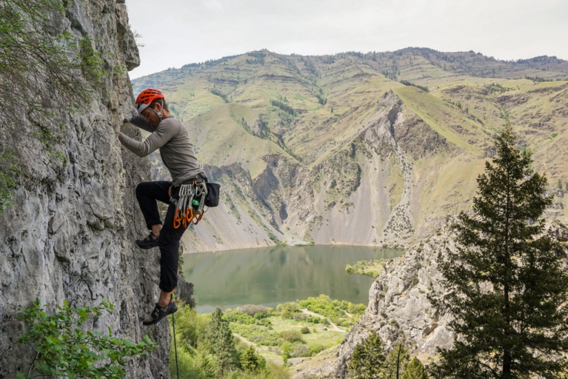 Dakota_Rock-climbing-Hells-Canyon-limestone_Oct-2018