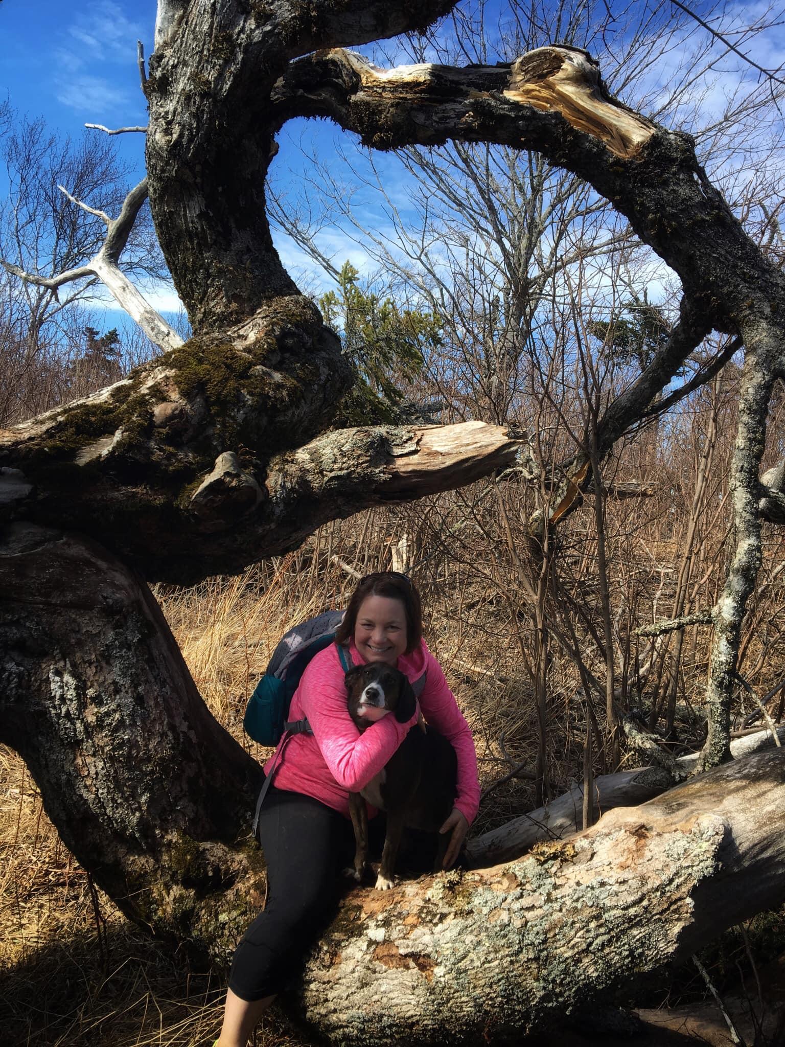 Go-Jules-Go-Jenn-Laila-Split-Rock-hike-Nova-Scotia_14APR2019