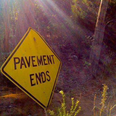 pavement-ends-sign