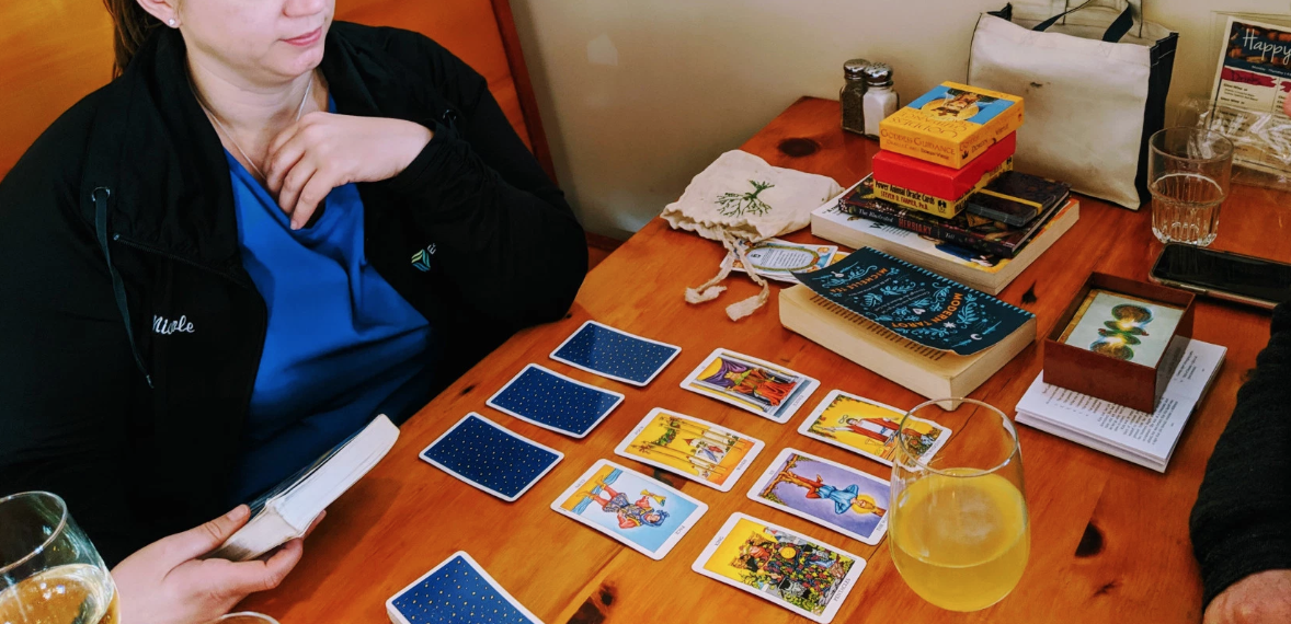 Duluth tarot cards May 2019 Go Jules Go