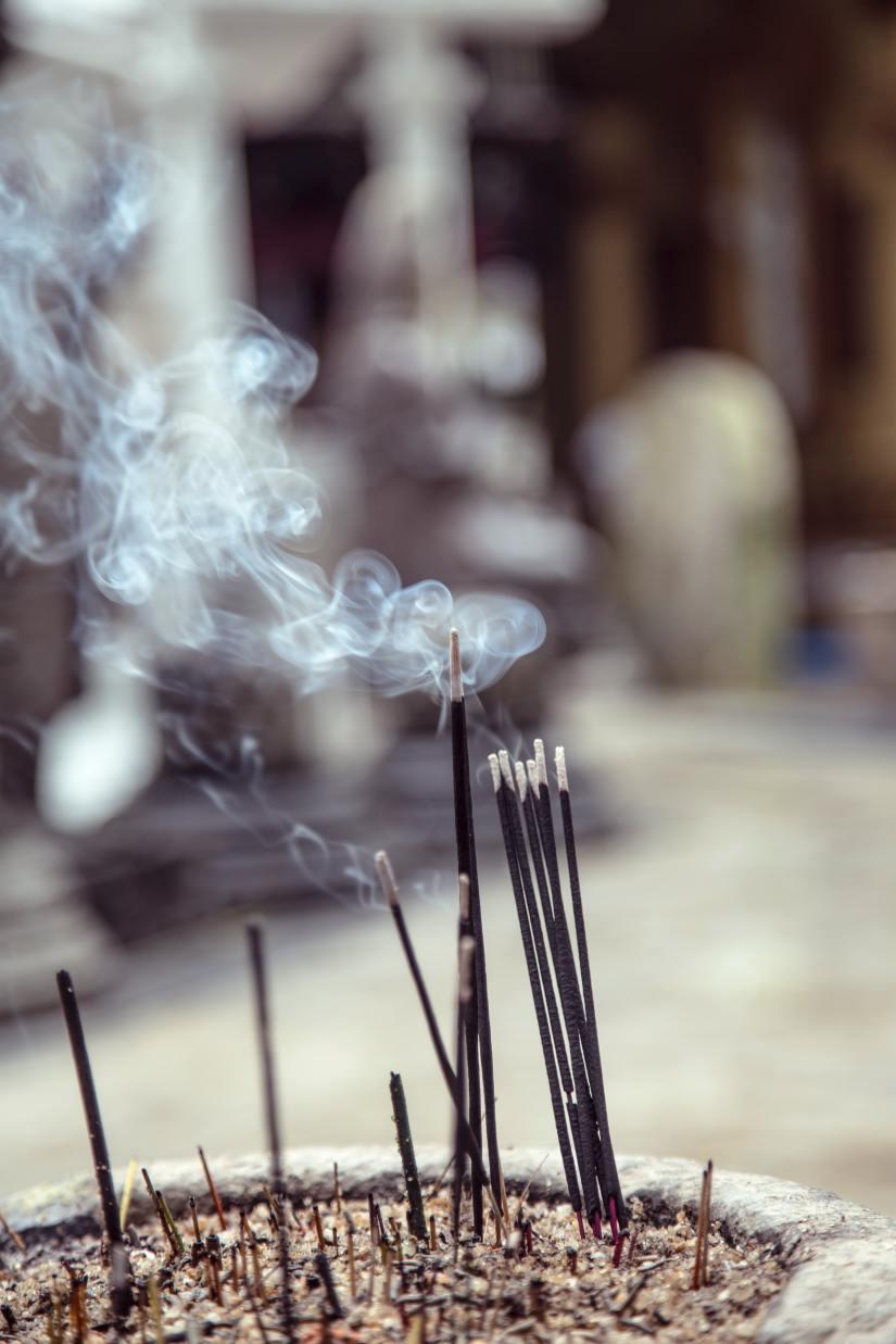 incense-milada-vigerova-Kfn2n0p6Lgc-unsplash